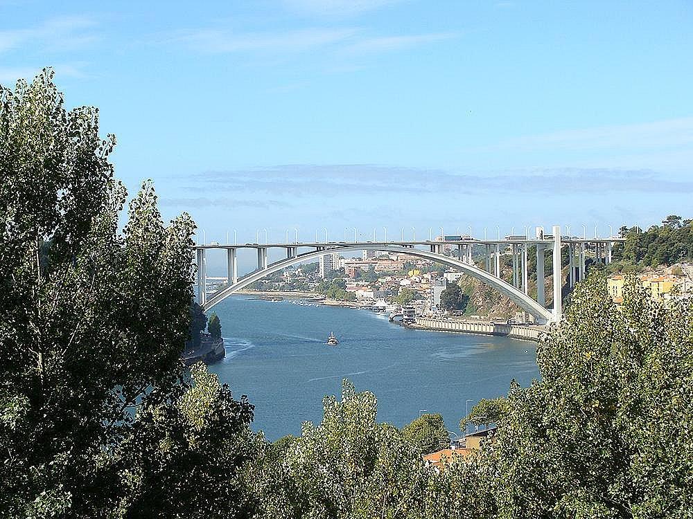 - Ponte da Arrábida