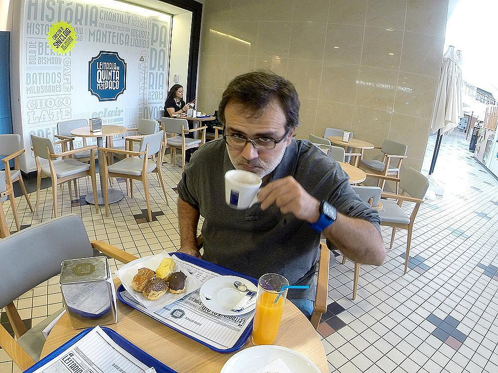 - Breakfast at Porto