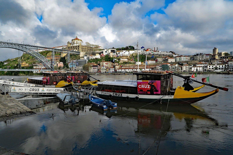 - Porto